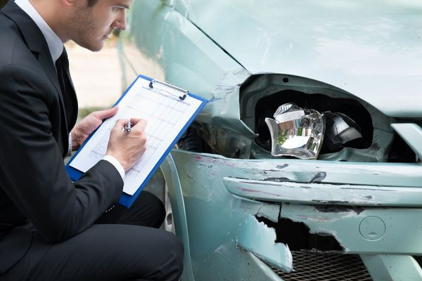 When Should You Hire a Car Accident Attorney? The Situations Explained -