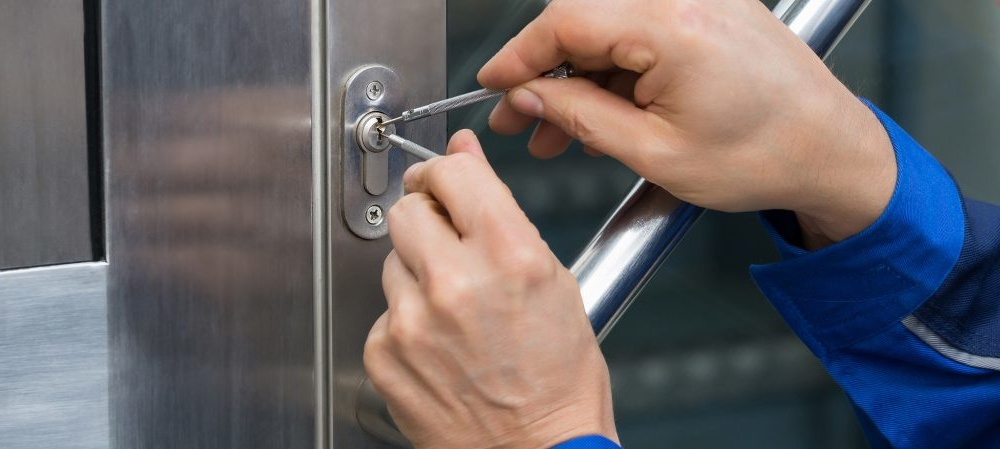 Locksmiths And The Services They Provide -