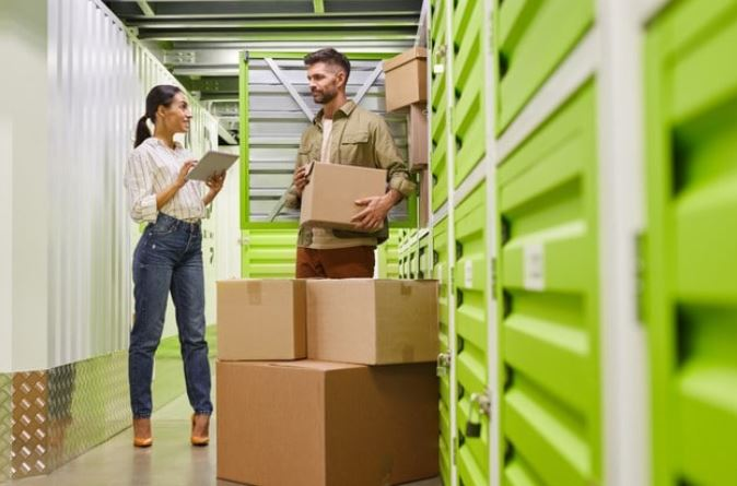 Tips to choose a self-storage facility -